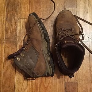 Timberland water resistant 8.5  hiking boots